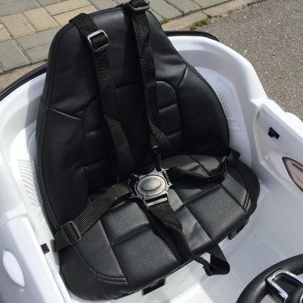 Электромобиль Porsche Macan белый (колеса резина, сиденье кожа, пульт, музыка)
